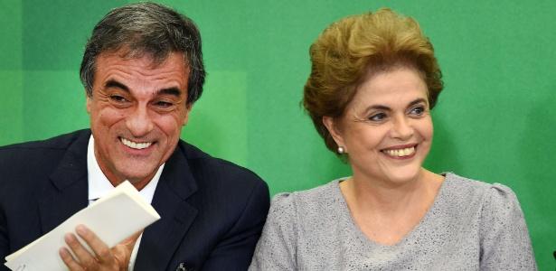 Cardozo e Dilma durante encontro com juristas nesta terça-feira em Brasília