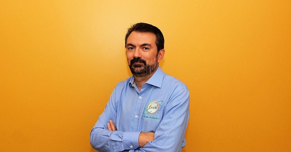 O químico Flávio Bragante é dono da Faex Soluções Ambientais, de São Roque, que recolhe e recicla lixo tóxico de outras empresas