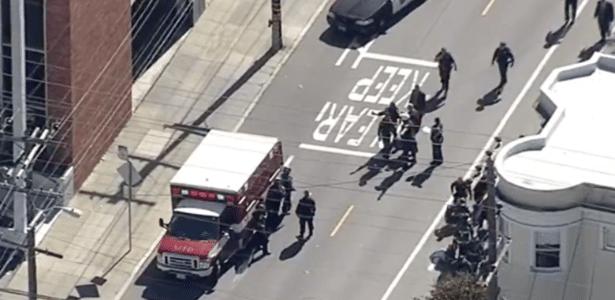 Policiais atendem chamado de tiroteio em San Francisco, EUA
