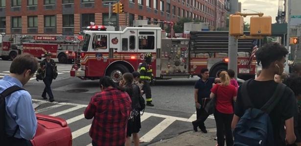 Bombeiros foram chamados para atender feridos no metrô de Nova York - Reprodução