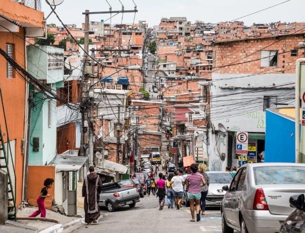 Acesso à favela de Paraisópolis, na Vila Andrade, zona sul de São Paulo