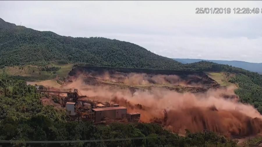 Imagem mostra momento exato do rompimento da barragem da Vale em Brumadinho - Reprodução