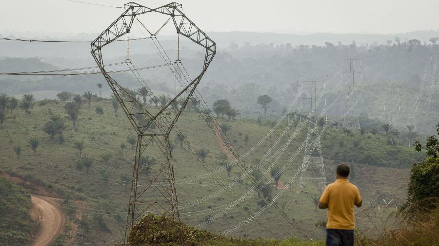 Linha de transmissão de energia elétrica do Tucuruí, conhecida também como Linhão do Tucuruí, a cerca de 400 quilômetros de Belém - Tarso Sarraf/Folhapress