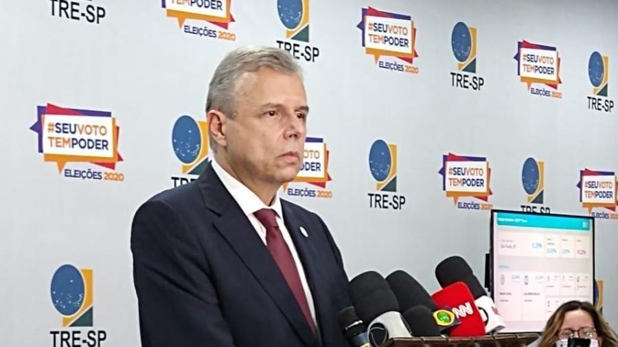 O presidente do TRE-SP, desembargador Waldir Sebastião de Nuevo Campos, sofreu para explicar o motivo da lentidão - Marcelo Oliveira/UOL