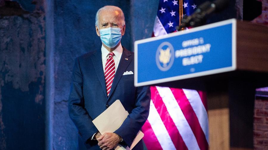 O presidente eleito dos Estados Unidos, Joe Biden, acompanha discurso da vice Kamala Harris em Wilmington, Delaware - Roberto Schmidt/AFP