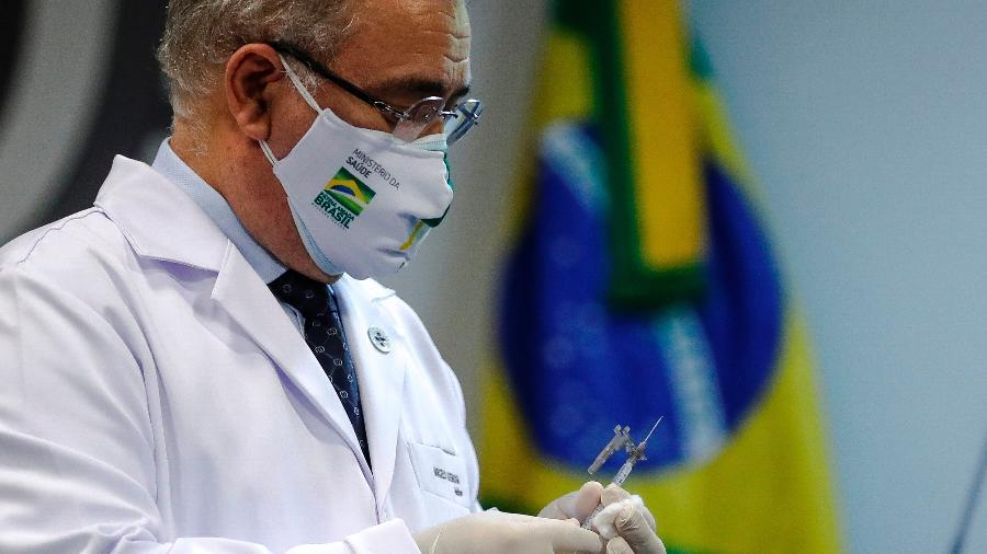 Economia disse à Pfizer em agosto que compra de vacinas não cabia ao ministério - Antonio Lacerda/EFE