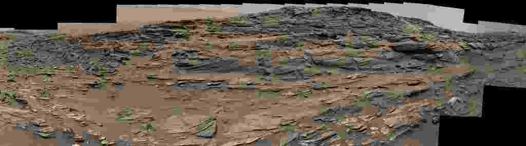 11.set.2015 - Imagem panorâmica capturada pelo robô Curiosity em Marte exibe uma paisagem comum encontrada no sudeste dos Estados Unidos. A transformação de dunas de areia em rochas foi comparada em nota da Nasa com formações encontradas em Navajo, no deserto dos Arizona, nos EUA - NASA