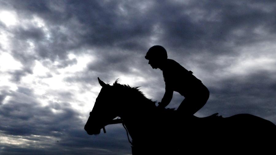 Única exceção feita foi às corridas de cavalos, uma vez que apostas são consideradas vitais para a modalidade - Patrick Smith/AFP