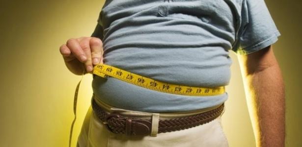 Homens com cintura de 94 cm tinha 13% maior risco de câncer de próstata agressivo do que homens com cintura de 84 cm