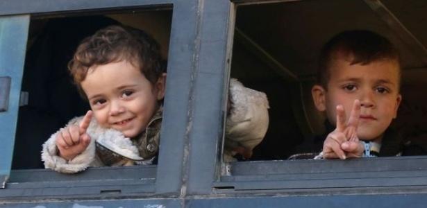 Muitas das pessoas que foram retiradas de Aleppo são crianças ou mulheres