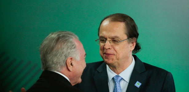 Temer conversa com o novo ministro do Trabalho, Caio Vieira de Mello