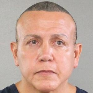 Cesar Sayoc foi preso na cidade de Plantation, na Flórida, e acusado de cinco crimes federais, incluindo ameaçar dois ex-presidentes - POLÍCIA DO CONDADO DE BROWARD