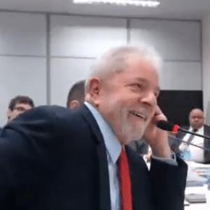 14.nov.2018 - Lula é interrogado em Curutiba no caso do sítio de Atibaia