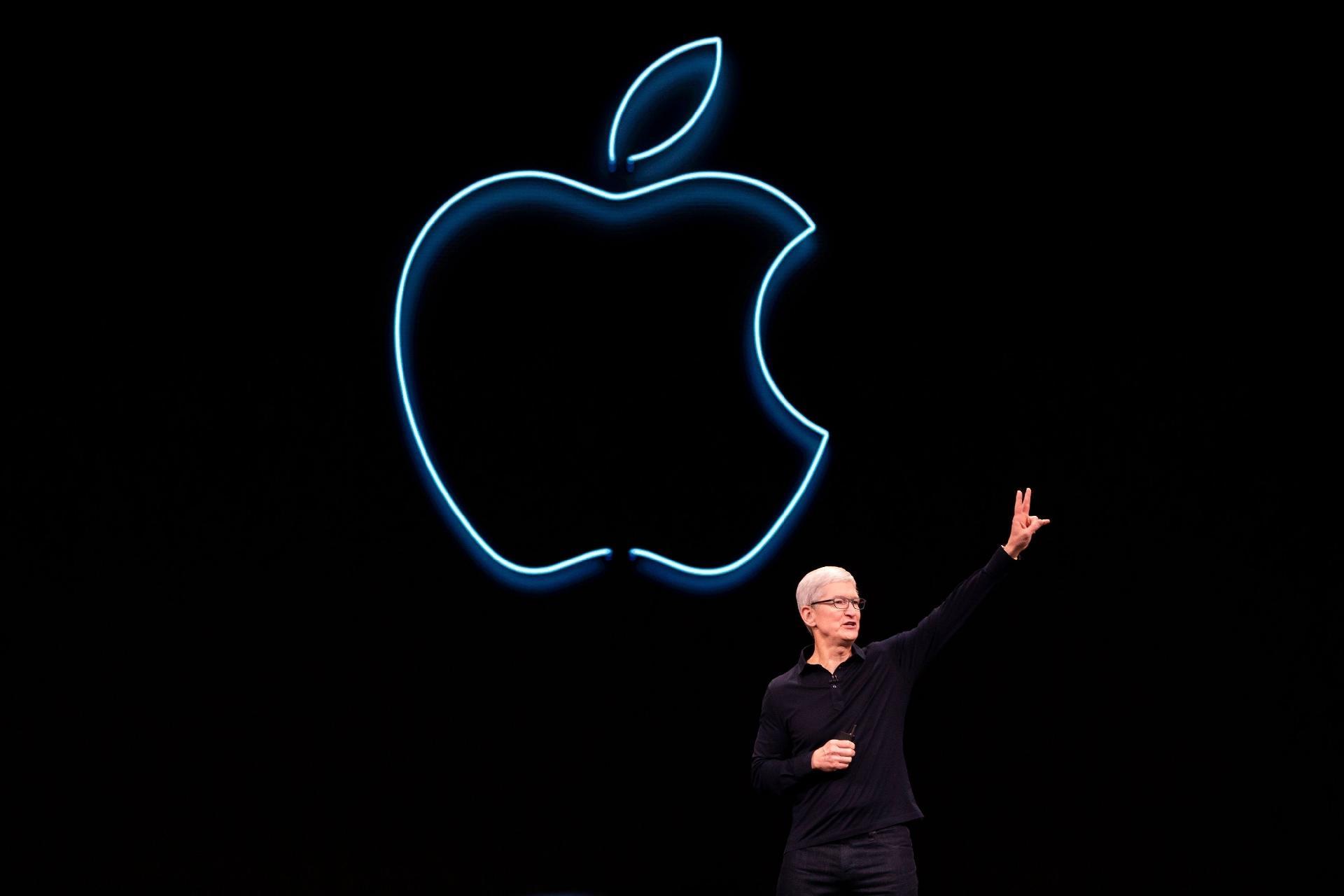 Apple quer vender Macs com chips próprios a partir de 2021 - 23/04/2020 -  UOL TILT