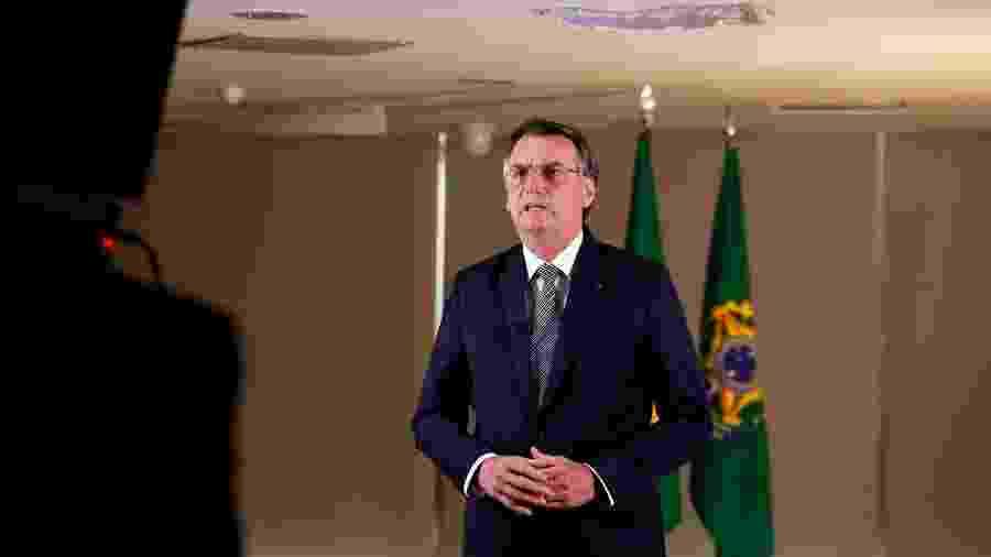 O presidente do Brasil, Jair Bolsonaro, durante gravação de pronunciamento à nação - Carolina Antunes/PR