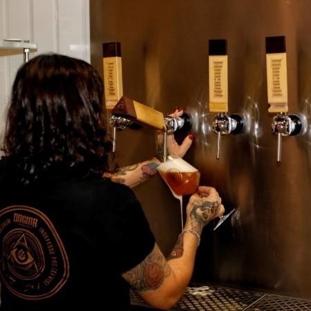 Bar degustação da Cervejaria Dogma em São Paulo - Divulgação