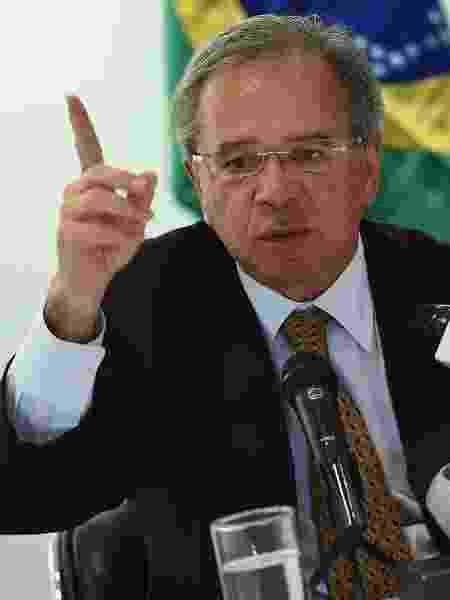 Ministro da Economia, Paulo Guedes, durante entrevista na embaixada brasileira em Washington (EUA) - Olivier Douliery/AFP