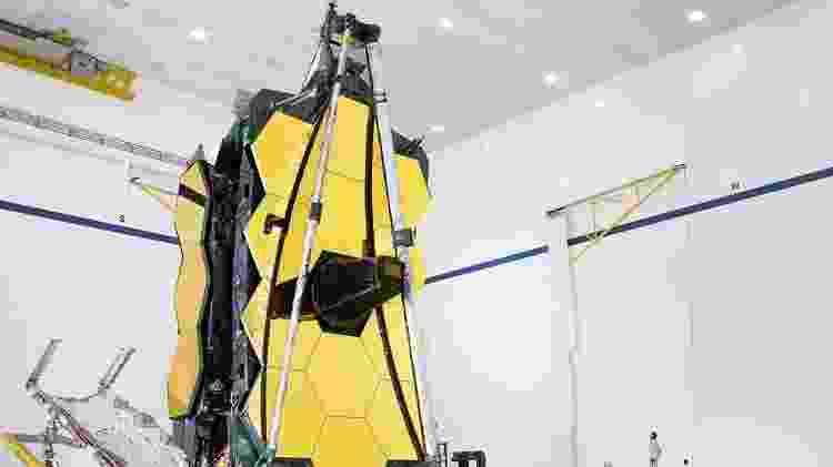 O JWST possui um enorme aparato de proteção solar, criado para manter sua temperatura alguns graus acima do zero absoluto - NASA/Chris Gunn - NASA/Chris Gunn