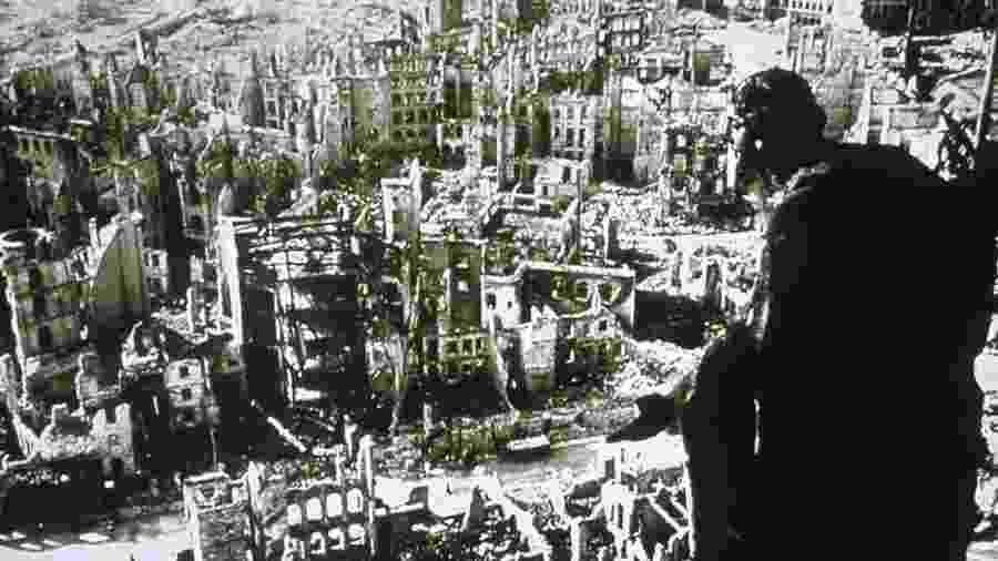Bombardeio de Dresden gerou tempestade de fogo que destruiu o centro da cidade - Getty Images