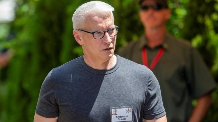 Apresentador americano Anderson Cooper disse que não deixará sua fortuna para seu filho - Reuters