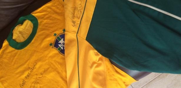 Camisa da seleção autografada por Zico em benefício de vítimas da barragem de Mariana