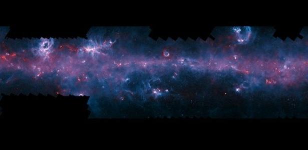 Astrônomos apresentam 'mais completo mapa' da Via Láctea, feito com supertelescópio chileno. As imagens são resultados de observações de três telescópios
