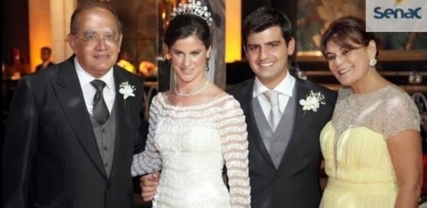O ministro Gilmar Mendes (à esq.) e sua mulher, Guiomar (à dir.), como padrinhos de Beatriz Barata e Chiquinho Feitosa; ela é filha de Jacob Barata - Reprodução/MP-RJ