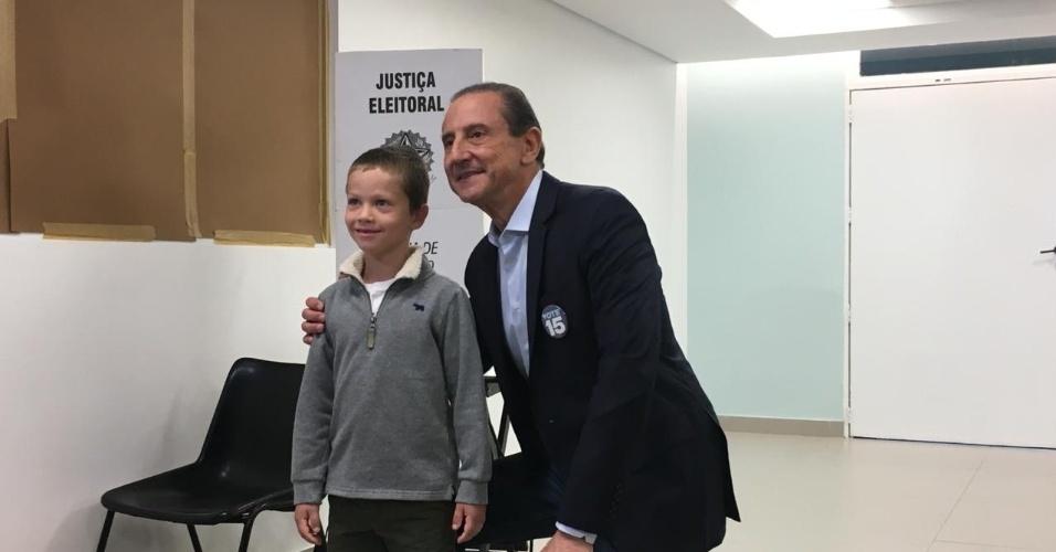 Paulo Skaf votou em São Paulo por volta das 8h10 deste domingo (7)