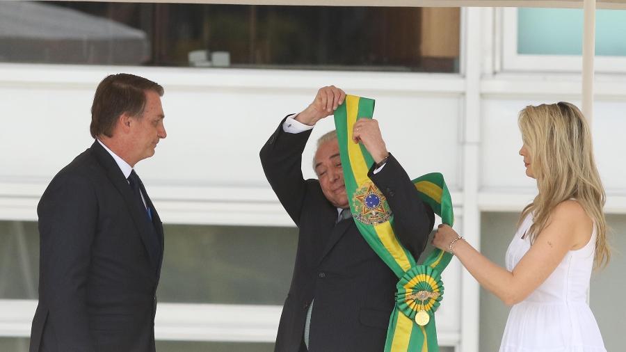 49ce33e90 Michel Temer transmite a faixa presidencial para Jair Bolsonaro - Celio  Messias/Estadão Conteúdo