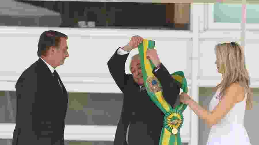 Michel Temer transmite a faixa presidencial para Jair Bolsonaro - Celio Messias/Estadão Conteúdo