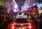 Bêbados não conseguem respeitar distanciamento, diz chefe de polícia inglês