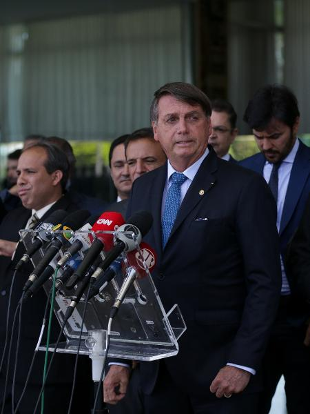 28.set.2020 - O presidente Jair Bolsonaro, ministros e líderes do governo e partidários anunciam Renda Cidadã, substituto do Bolsa Família - Pedro Ladeira/Folhapress