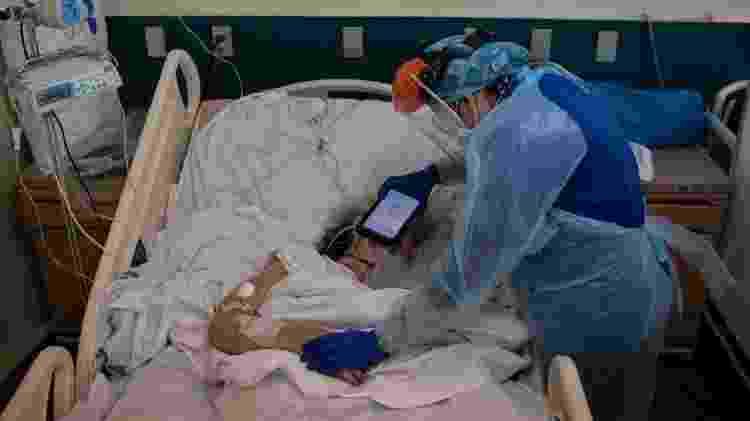 No Chile, altas taxas de contágio não diminuíram e hospitais continuam à beira do colapso - Getty Images - Getty Images