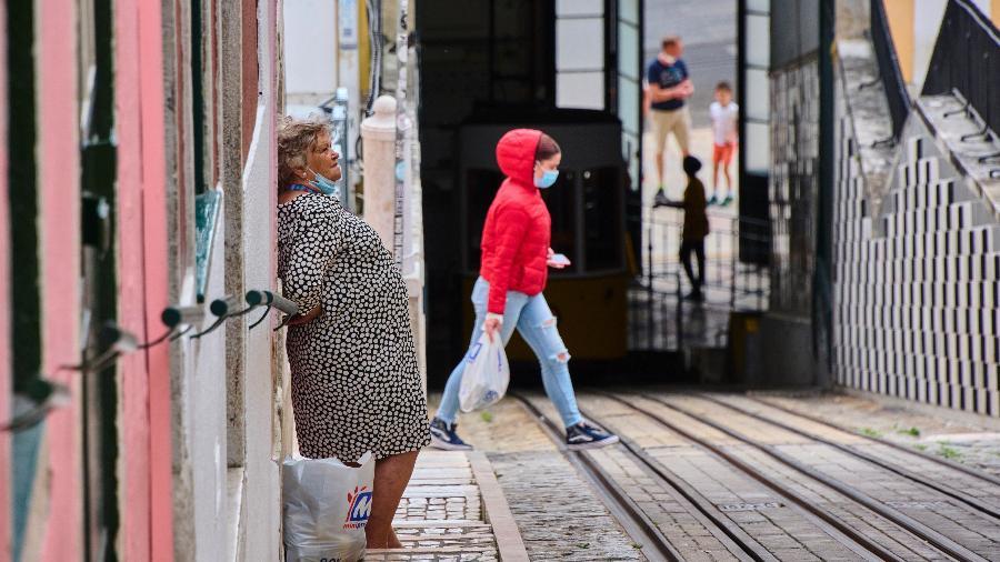 Ministra da Saúde de Portugal alertou que, se a tendência continuar, casos de covid-19 podem dobrar em meados de julho - Horacio Villalobos/Corbis via Getty Images