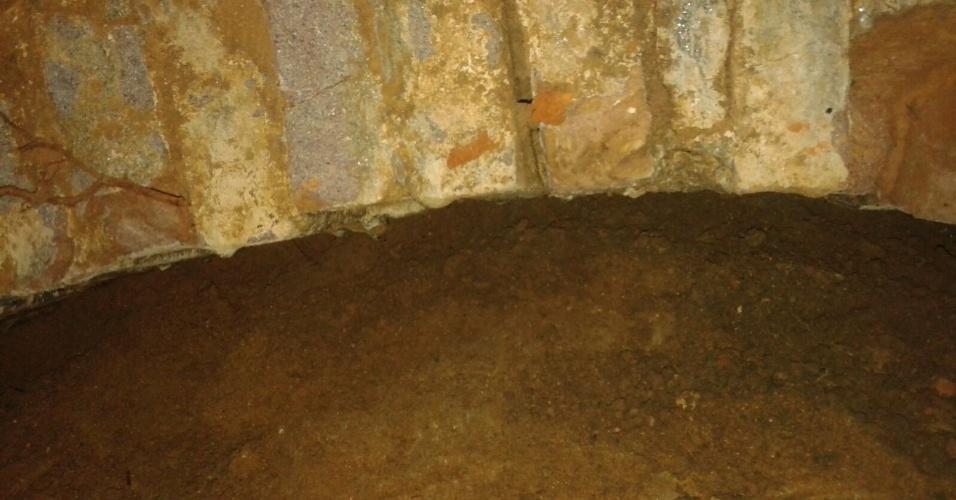 2.mar.2016 - Arco que pode ter sido construído no século 17 foi encontrado durante obras da Prefeitura de Porto Calvo