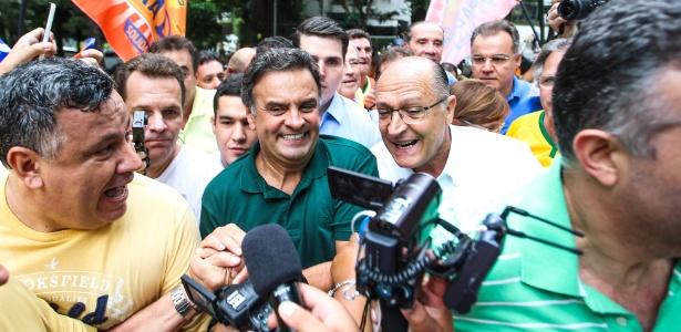Aécio Neves e Geraldo Alckmin juntos durante manifestação em São Paulo contra o governo Dilma, em março de 2016