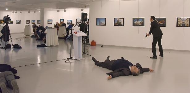 Policial turco abriu fogo e assassinou embaixador russo