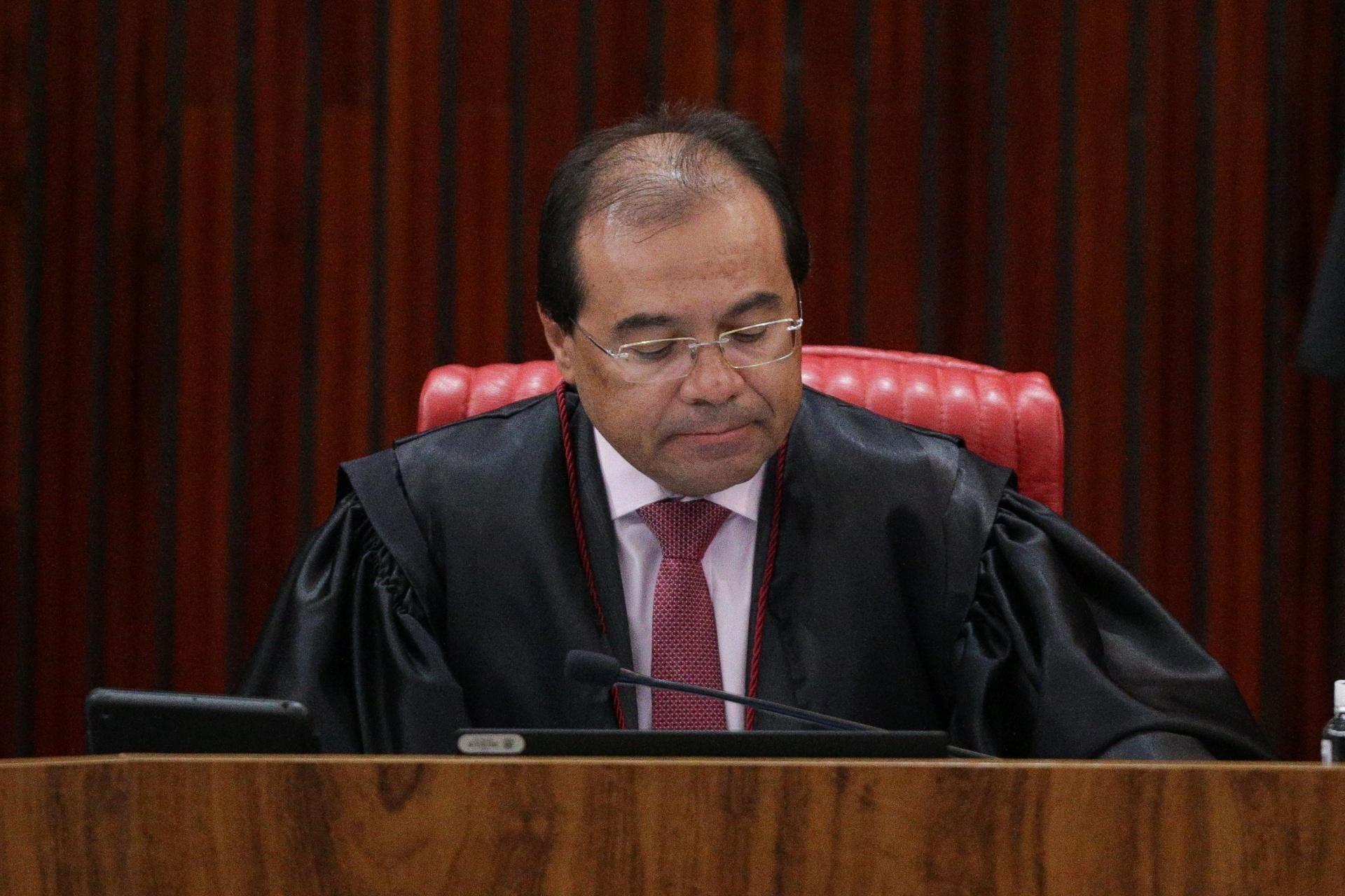 O vice-procurador geral eleitoral Nicolao Dino, que representa o Ministério Público no TSE, se manifestou favoravelmente a que o tribunal determine a cassação da chapa, com a perda do mandato de Temer, e também pela aplicação da pena de inelegibilidade a Dilma