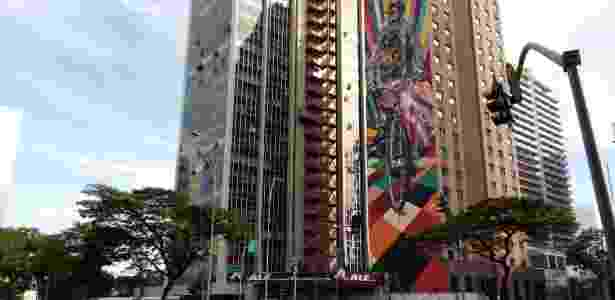 Alcatel A5 LED - grafite - Bruna Souza Cruz/UOL - Bruna Souza Cruz/UOL