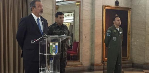 27.jul.2017 - Jungmann participou de reunião no Comando Militar do Leste