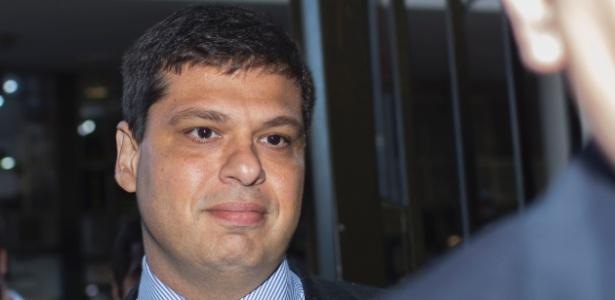 O ex-procurador Marcelo Miller chega para prestar depoimento no Rio
