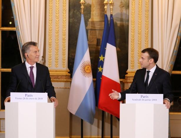 O presidente argentino, Mauricio Macri, e o francês, Emmanuel Macron, durante encontro em Paris