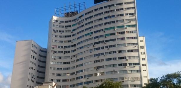 Casal procurou a polícia após encontrar câmera escondida em apartamento alugado