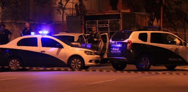 15.mar.2018 - Polícia no local do assassinato da vereadora Marielle Franco (PSOL), no Rio - José Lucena/Futura Press/Folhapress
