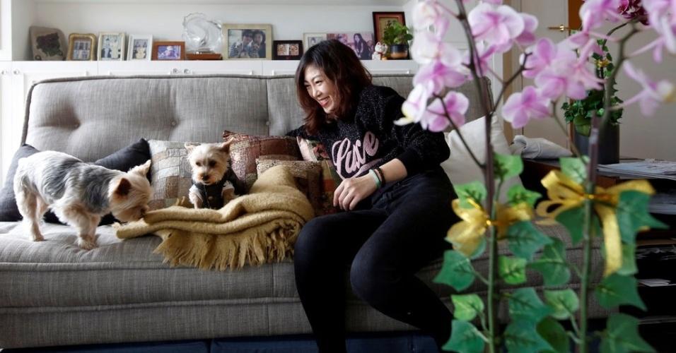 Voos de luxo para cães - Zoe Man brinca com seus cães