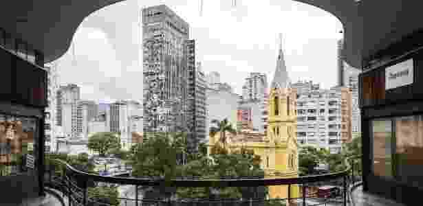 Foto de arquivo mostra o prédio que desabou após pegar fogo no centro de SP - Eduardo Knapp/Folhapress