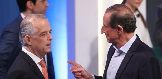 24.ago.2018 - França e Skaf conversam antes do início do debate eleitoral promovido pela RedeTV!