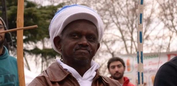 Mestre capoeira Moa do Katendê é morto após discussão política