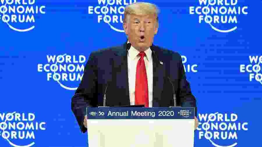 21.jan.2020 - Presidente dos Estados Unidos, Donald Trump, discursa no Fórum Econômico Mundial em Davos, na Suíça - Guo Chen/Xinhua