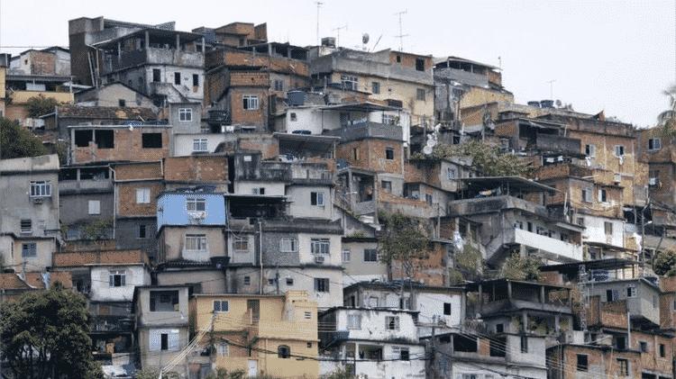 Mais de 40% das crianças brasileiras de zero a seis anos habitavam em 2017 casas com ao menos uma inadequação de saneamento, seja ausência de esgoto, abastecimento de água ou coleta de lixo - Reuters - Reuters
